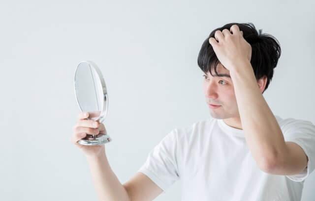 ハゲたくないよ・・。抜け毛が気になるその原因となりやすい人の特徴
