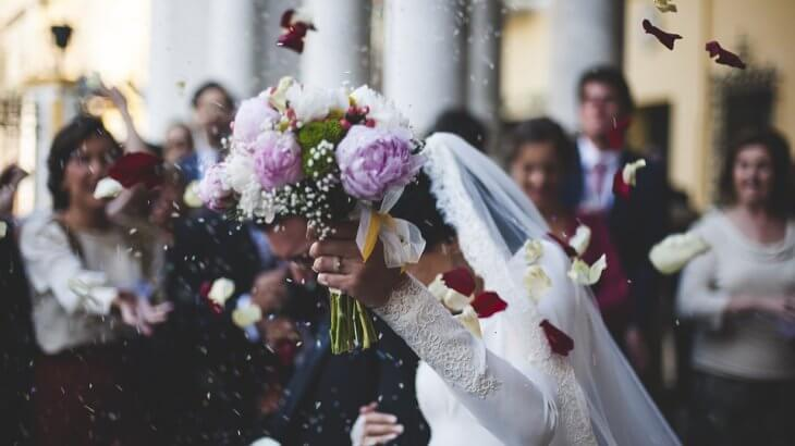 結婚式プロフィールムービー制作はナナイロウエディングがおすすめ