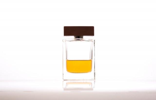 秋冬におすすめのメンズ香水 甘さとスパイシーな香りで魅力をひきだそう