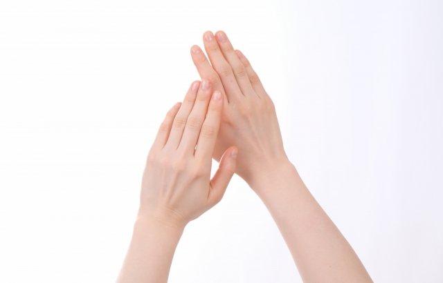 指先まで潤いのある美しい手を目指しましょう!メンズにおすすめハンドクリーム